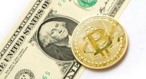 ドル札とビットコインのイラスト